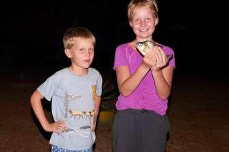 Runa caught a piranha, and Mattis looks cool